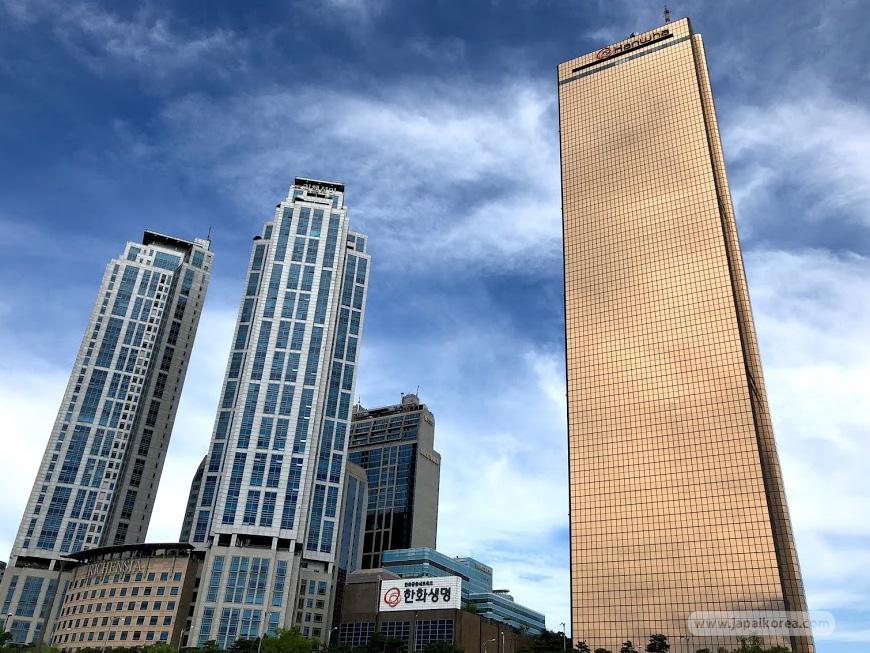 ตึก 63 (63 Building)