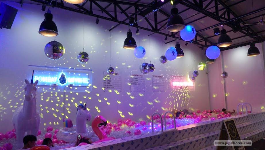 Urban space ย่านซองซู สระลูกบอล