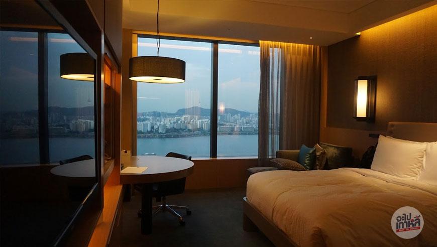 รีวิวที่พัก โรงแรมคอนราด โซล
