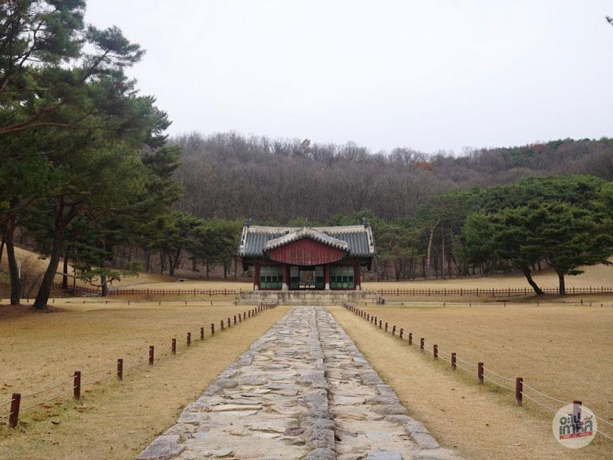 สุสานหลวง คยองนึง (경릉)